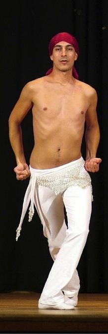 Zuel, danza oriental contemporánea.