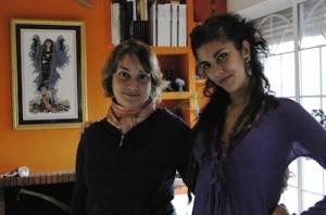Maraya junto a Vicky Qamar.