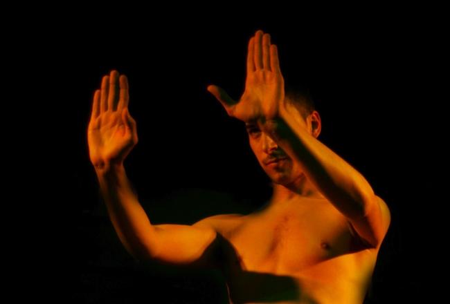 Zuel, danza oriental masculina.