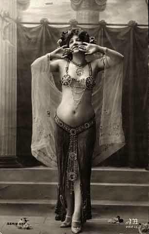 Mata Hari, bailarina orientalista.