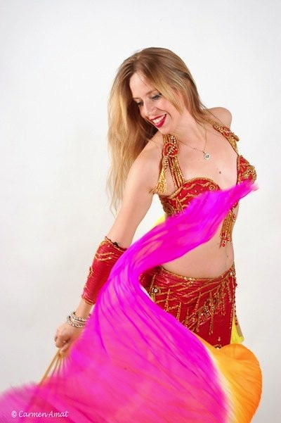 Helena Rull, danza del vientre en Granada.