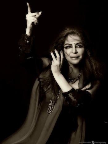 Larissa Vesci como Carmen