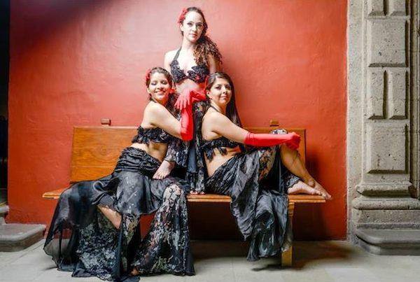 Bailes e indumentaria del Medio Oriente en México